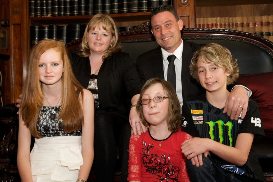 2011 Victorian Father of the Year Andrew Streader with Kimberley, Tiana, Hayley and Lachlan.